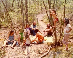 America_s_1970s_Hippie_Communes_16_