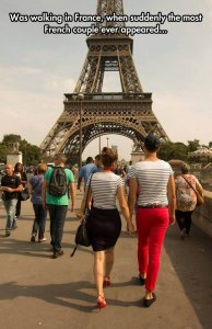funny-Paris-couple-clothes-Eiffel-Tower