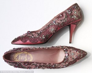 23C4D4B400000578-2862316-Roger_Vivier_for_Christian_Dior_evening_shoe_beaded_silk_andleat-a-8_1417795289033