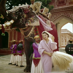 Fashion Photography of 1950s by Norman Parkinson (1)