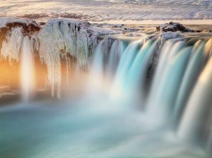 frozen-waterfall-iceland_89917_990x742