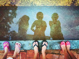 kids-reflection-puddle_90161_990x742