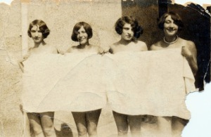 Summer is no time for shyness, 1925