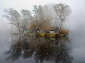 szodliget-hungary-mist-cabin_86773_990x742