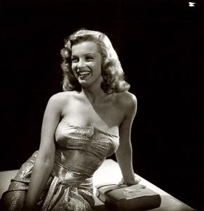 Marilyn-Monroe-1947-01