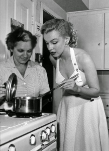 Marilyn Monroe cooking
