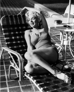Marilyn+Monroe's+Photoshoots+by+Harold+Lloyd+in+1953+(4)