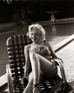 Marilyn+Monroe's+Photoshoots+by+Harold+Lloyd+in+1953+(5)