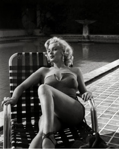 Marilyn+Monroe's+Photoshoots+by+Harold+Lloyd+in+1953+(6)