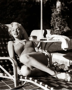 Marilyn+Monroe's+Photoshoots+by+Harold+Lloyd+in+1953+(7)