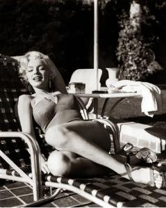 Marilyn+Monroe's+Photoshoots+by+Harold+Lloyd+in+1953+(7)