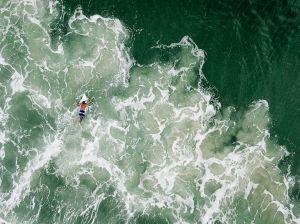 surfer-paddle-praia-mole_90430_990x742