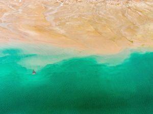 aerial-land-sea-dubai_90888_990x742