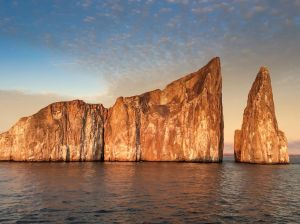 galapagos-rock-formations_90431_990x742
