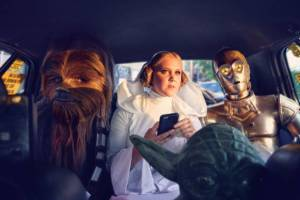 amy_schumer_puts_a_sexual_spin_on_star_wars_themed_photo_shoot_640_04