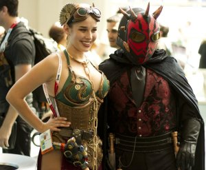 steampunk-leia-and-darth-maul-buddy-up-for-a-photo