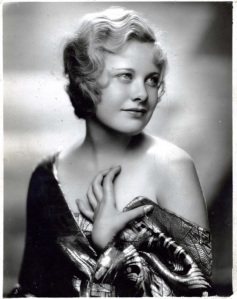 20 Vintage Portrait Photos of Beautiful American Actresses from 1920s-1940s (1) copy