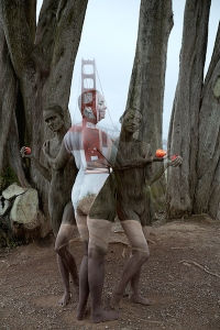 Golden-Gate-Bridge_San-Francisco_Raphael_Three-Graces_Bodypaint_Camouflage_Body-Art_Trina-Merry_Web