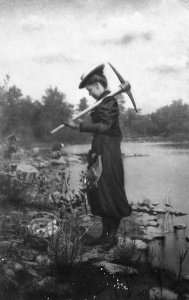 Zonia Baber gathering fossils at Mazon Creek, Illinois, 1895