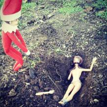 you_can_run_but_you_cant_hide_from_elf_on_the_shelf_640_04