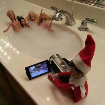 you_can_run_but_you_cant_hide_from_elf_on_the_shelf_640_14