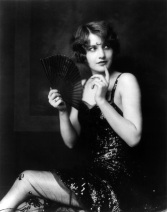 Barbara_Stanwyck_Ziegfeld_girl_by_Alfred_Cheney_Johnston_ca._1924