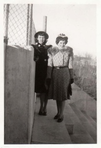 vintage-womens-fashion-1940s-11