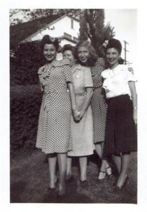 vintage-womens-fashion-1940s-17