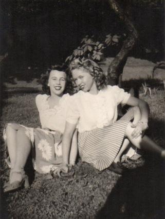 vintage-womens-fashion-1940s-23