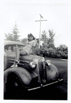 vintage-womens-fashion-1940s-30