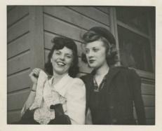 vintage-womens-fashion-1940s-9