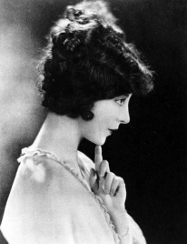 womens-hairstyles-1920s-11