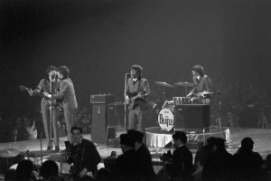 rs44_the-beatles-washington-dc-coliseum-apple-corps-ltd