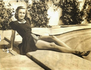 beauties-in-swinsuits-from-between-the-1930s-and-50s-1