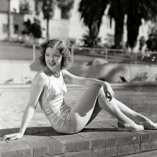 beauties-in-swinsuits-from-between-the-1930s-and-50s-12