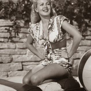 beauties-in-swinsuits-from-between-the-1930s-and-50s-13
