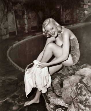 beauties-in-swinsuits-from-between-the-1930s-and-50s-14