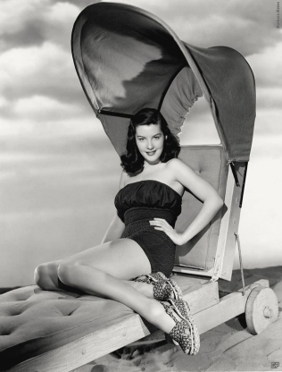 beauties-in-swinsuits-from-between-the-1930s-and-50s-21