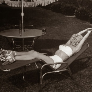 beauties-in-swinsuits-from-between-the-1930s-and-50s-24