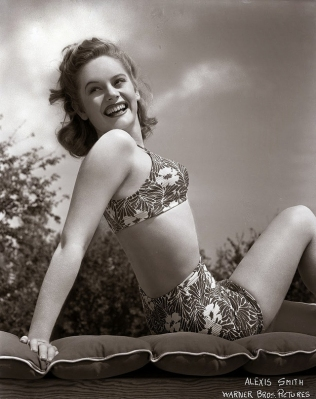 beauties-in-swinsuits-from-between-the-1930s-and-50s-28