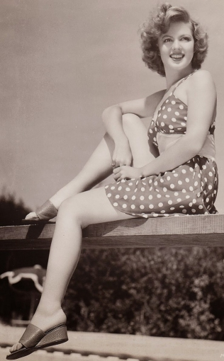 beauties-in-swinsuits-from-between-the-1930s-and-50s-4