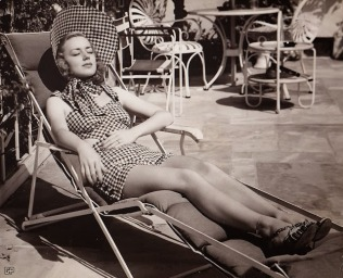 beauties-in-swinsuits-from-between-the-1930s-and-50s-8