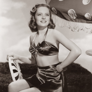 beauties-in-swinsuits-from-between-the-1930s-and-50s-9