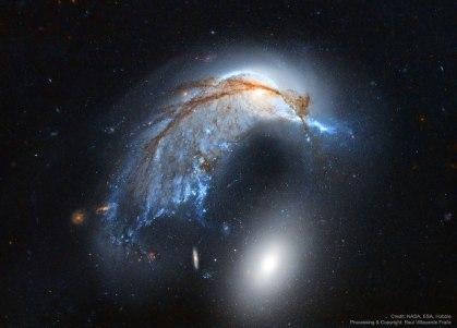 PorpoiseGalaxy_HubbleFraile_960